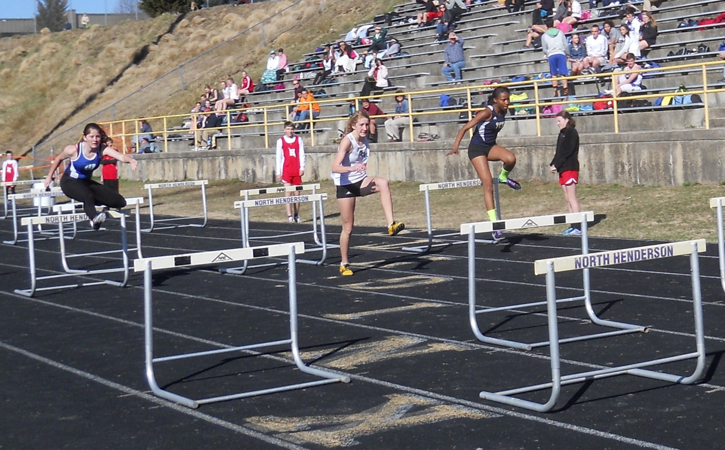 Hurdle Shuttle Relay Teams Basic Rules For Race 2014 Ac Reynolds Team Christen Ray Anu Frempong Mariah Richardson Kourtnai Coles Whkp Relays Champions Meet Record 10707