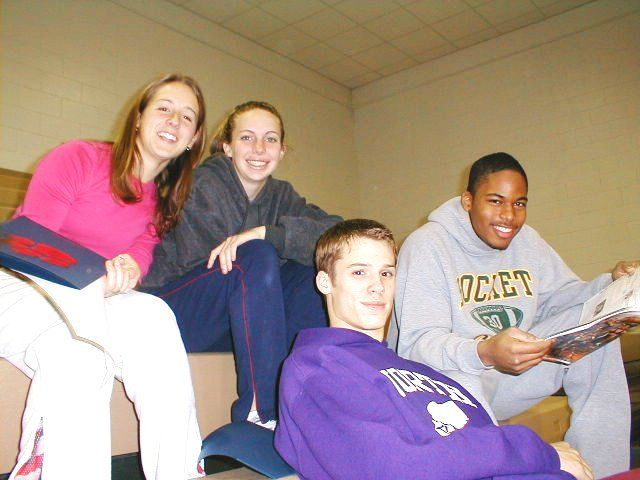 Liza Schillo (left) with Jessica Worman, Cade Liverman and Kris Fant, 2002. www.greathurdlers.com